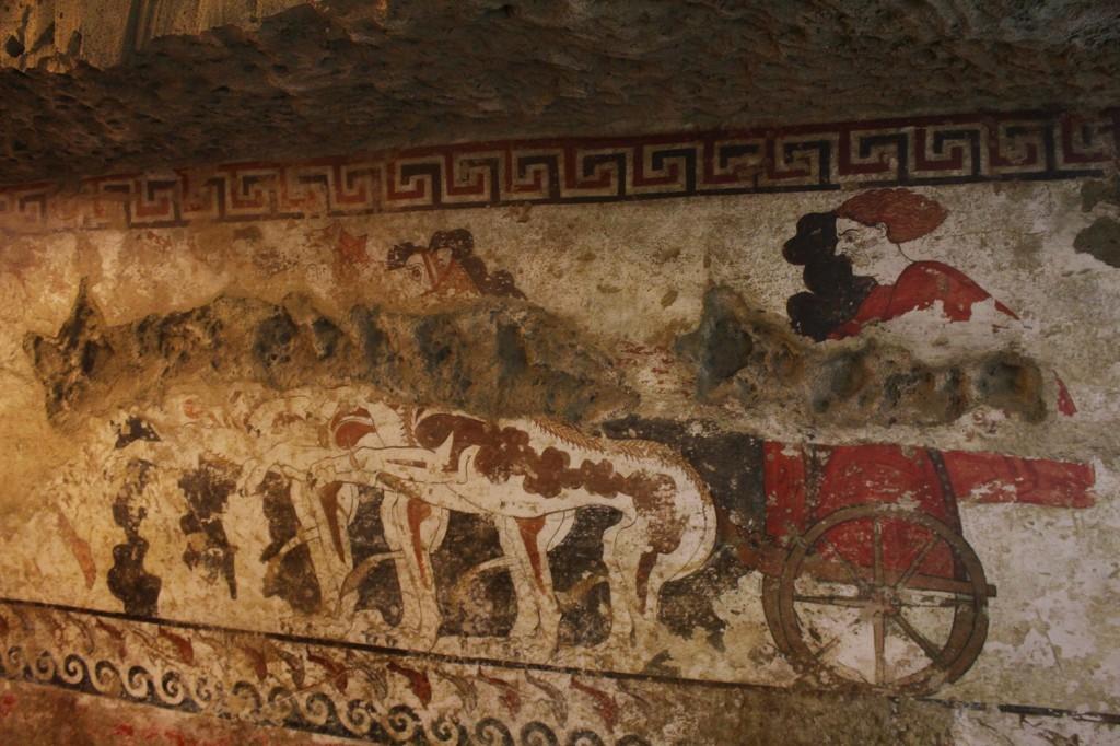 Freskon jäljennös Sarteanon arkeologisen museon kellarissa