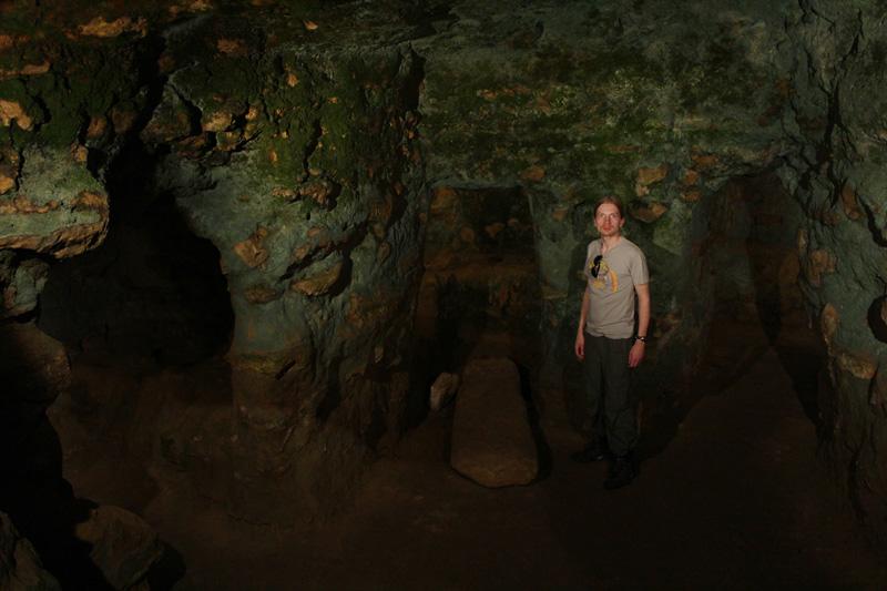 Etruskihaudassa Volterran lähellä toukokuussa 2013