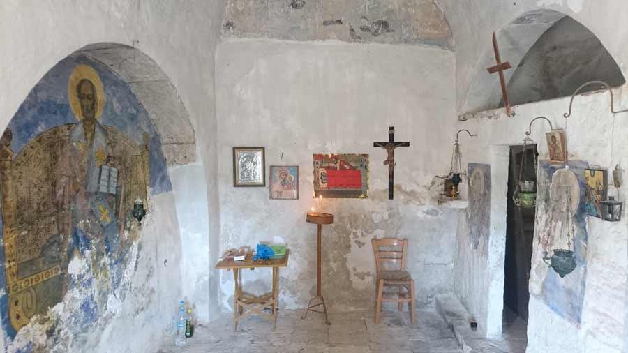 Eräs Paleohoran kirkko sisäkuvassa