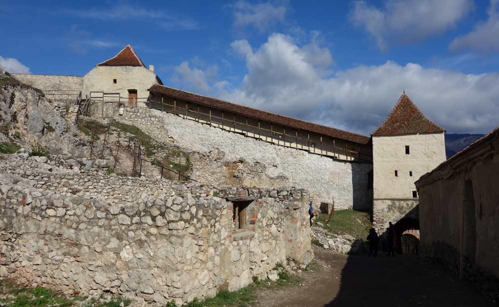 Rasnovin linnoituksen muurit