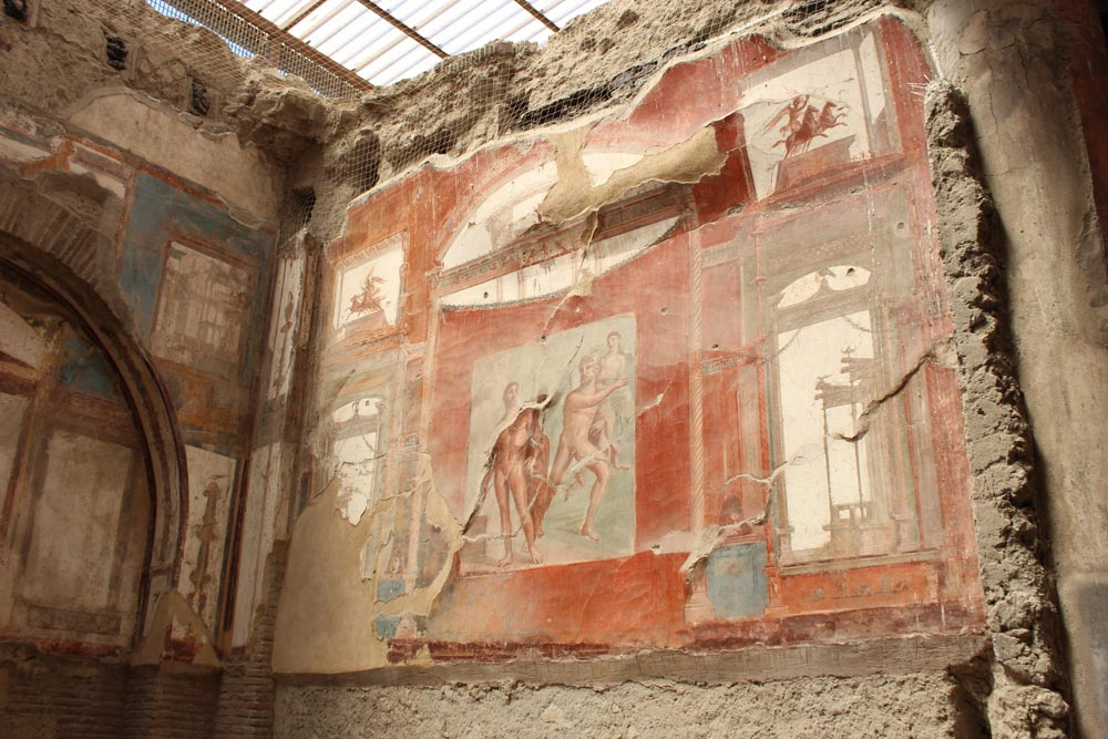 Augustaalien talon seinämaalauksia.