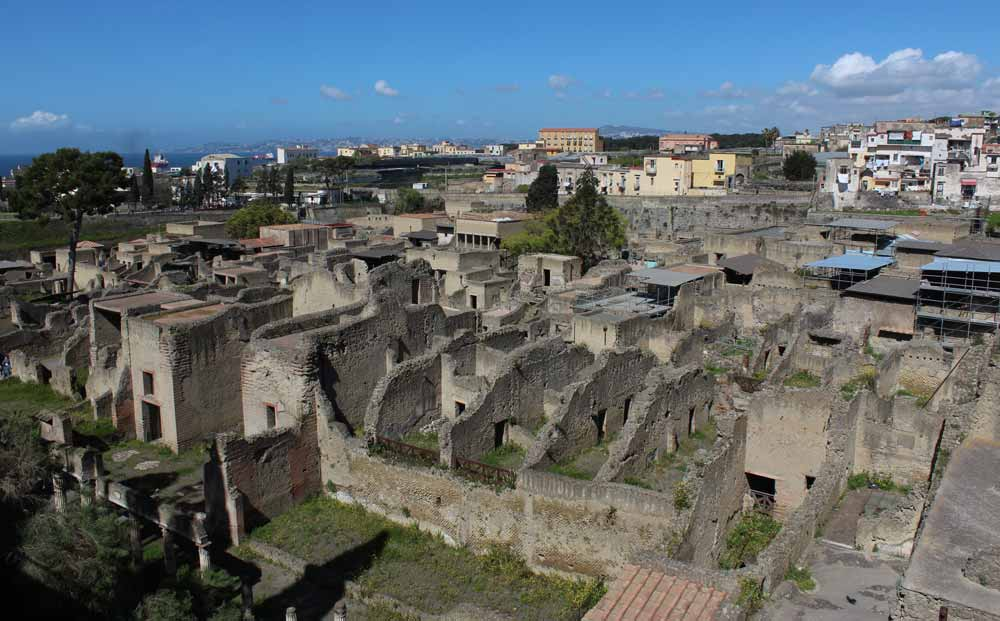 Herculaneumin raunioita yleiskuvassa.